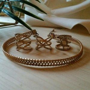Jewelry - Gold Jewelry Set